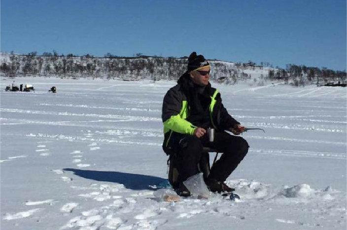 Åpner hjemmesiden til Neafisk med mer info om isfiske i ny fane