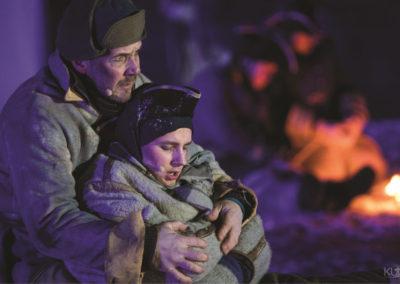 Bilde av Gårdbruker hjelper svensk soldat